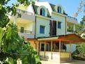 Стилен хотел с отлична архитектура и много удобства, на 250 м от плажа