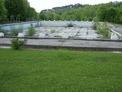 Земя с плувен басейн