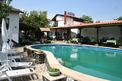 Симпатичен триетажен хотел с ресторант-градина и външен басейн само на 5км от сърцето на гр. Враца